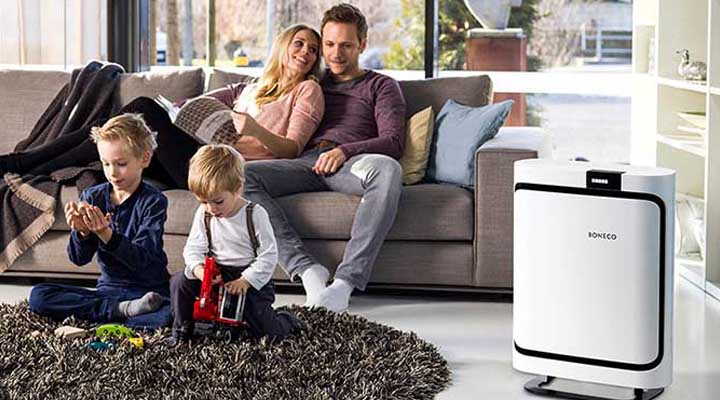 Family using Boneco P400